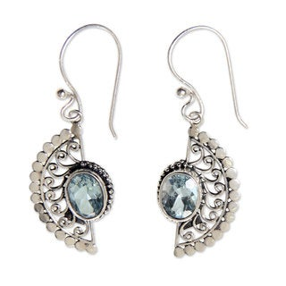 Handcrafted Sterling Silver 'Blue Eyes' Topaz Earrings (Indonesia)