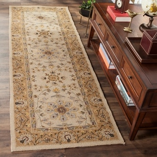 Safavieh Hand-hooked Easy to Care Ivory/ Beige Rug (2' 6 x 10')