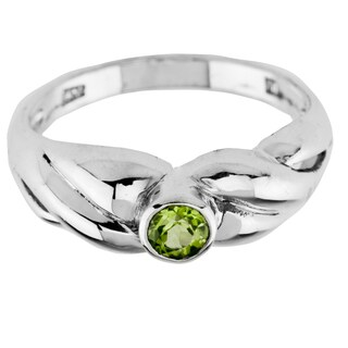 Haven Park Tapered Peridot Solitaire