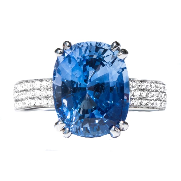 California Girl Jewelry 18k White Gold Cornflower Blue Sapphire and Diamond Accent Ring (Size 6.5)