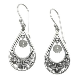 Handcrafted Sterling Silver 'Whirlpool' Earrings (Indonesia)