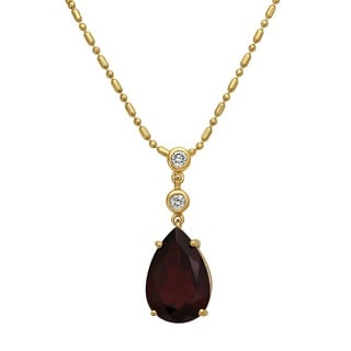 Beverly Hills Charm 14K Yellow Gold 1/14 TDW Diamonds and Genuine Tear-Drop Garnet Necklace (H-I, SI2-I1)