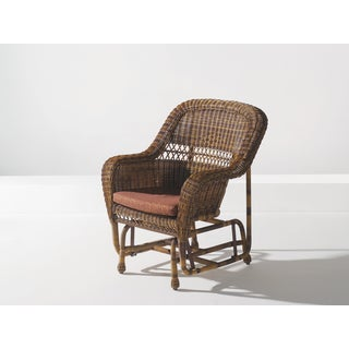W Unlimited Lounge Wicker Gliding Chair