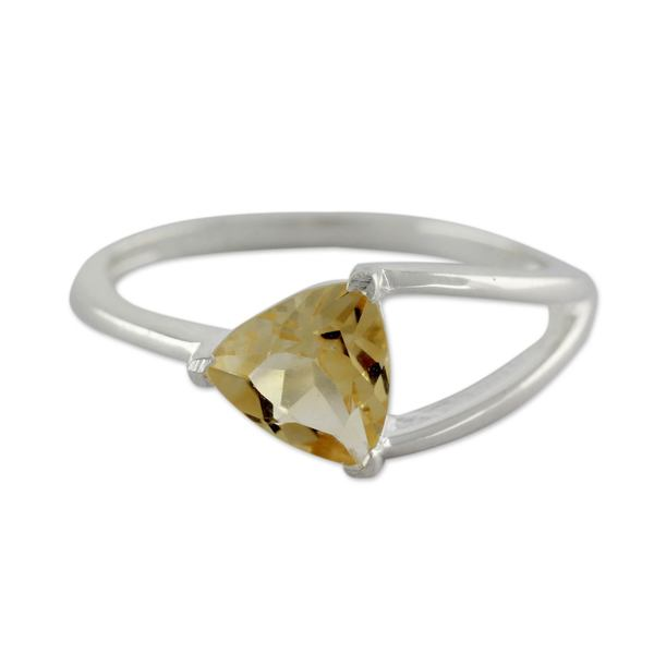 Handmade Sterling Silver 'Love Triangle' Citrine Ring (India) 19090565