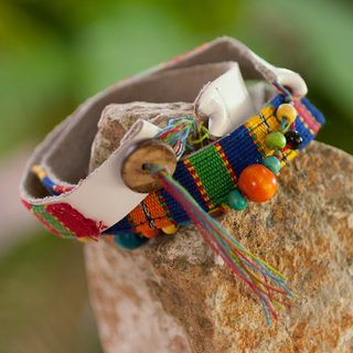 Handcrafted Leather Cotton 'Beautiful Guatemala' Bracelet (Guatemala)