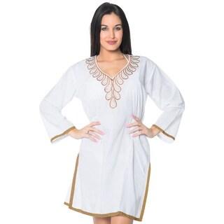La Leela Women's Short White Rayon 2-in-1 Embroidered-neck Swimsuit Coverup Dress/Kimono