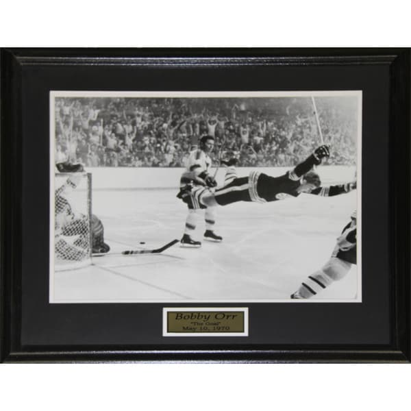 Bobby Orr The Goal Black and White 16x20-inch Frame 19200700