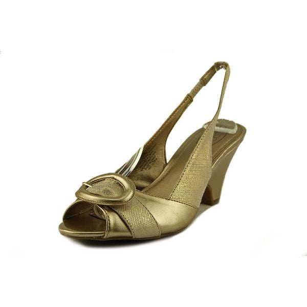 Circa Joan & David Women's Neera Gold Leather Mid-heel Dress Shoes