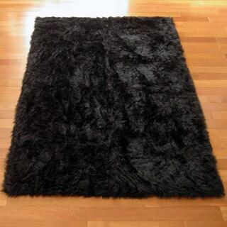 Classic Black Bear Faux Fur Rectangle Rug (3'3 x 4'7)