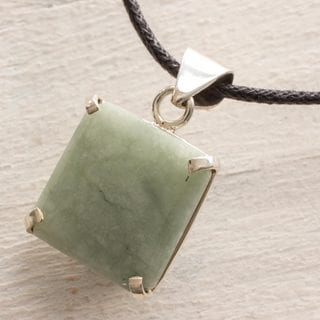 Handcrafted Sterling Silver 'Abstract Square' Jade Necklace (Guatemala)