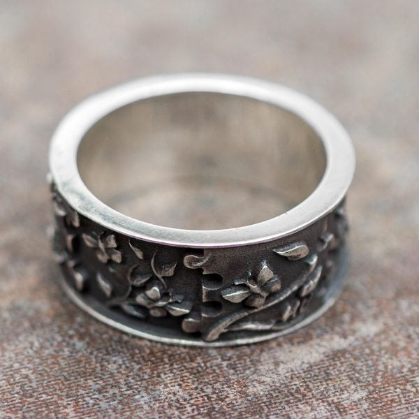 Handcrafted Sterling Silver 'God's Hand in Eden' Ring (Peru) 19267708