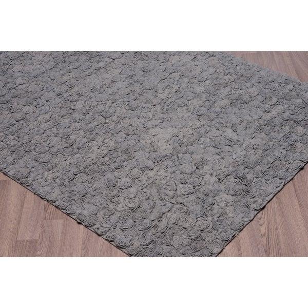 Grey Felt/Wool/Cotton Flower Petal Shag Rug (5' x 7'6)