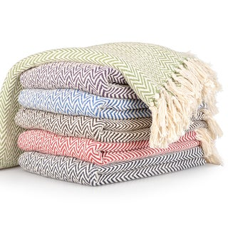 Journee Home 'Amelia' Fringed Chevron Print Throw Blanket