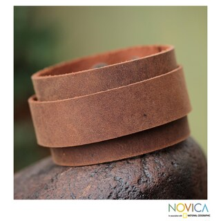 Handcrafted Leather 'Sporty Brown' Bracelet (Peru)