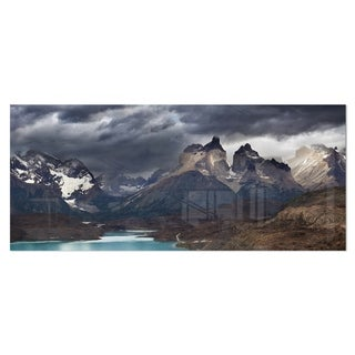 Designart 'Torres Del Paine, Cuernos Mountains' Photo Metal Wall Art