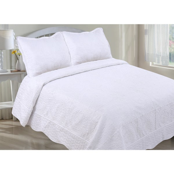 White Embroidered Oversized Scalloped Edge Quilt Set