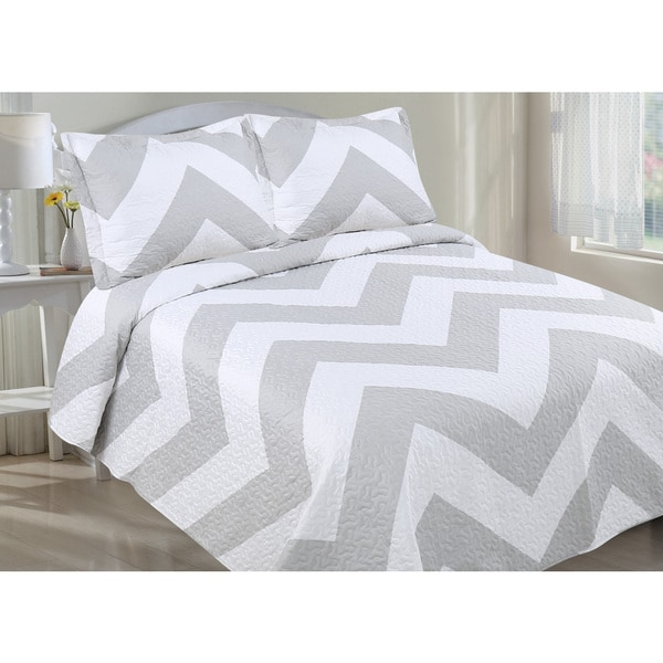 Oversized Chevron Quilt Set