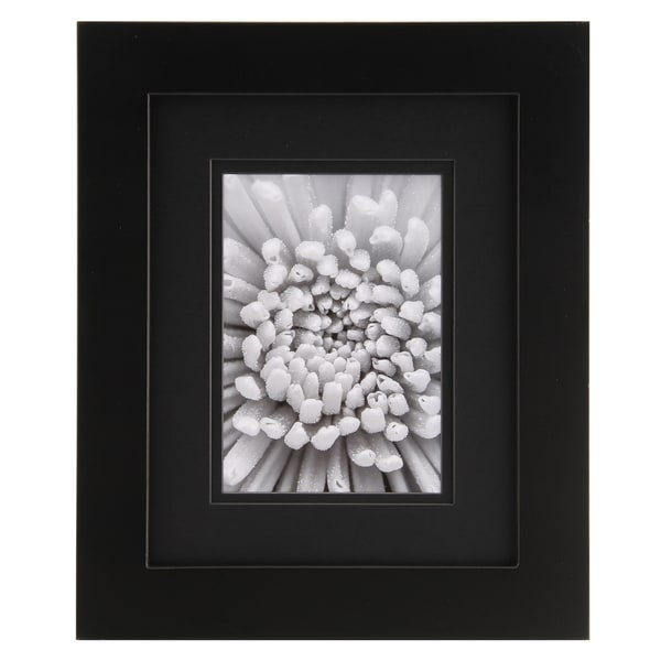 Gallery Solutions Black Matted Frame