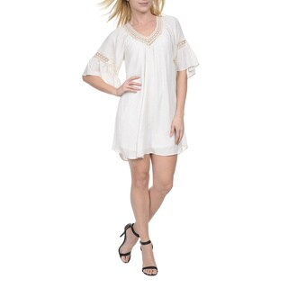 Romeo + Juliet Couture Women's Short-sleeved V-neck Dress with Lace Trim