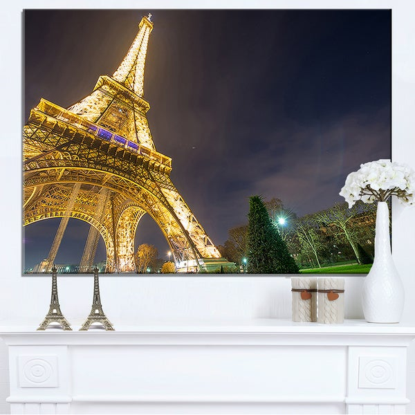 Eiffel Light Performance Show at Evening - Cityscape Canvas print