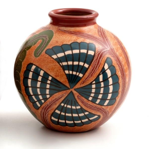 Seashell Nicaraguan Pottery (Nicaragua) 19605165