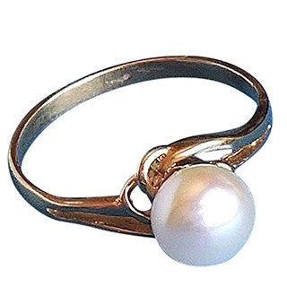 Single Pearl Ring on Gold-Size 6-1/2