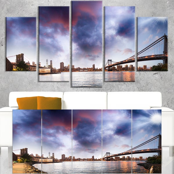 Brooklyn Bridge over East River - Cityscape Canvas print