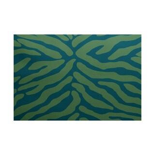 Animal Stripe Geometric Print Indoor/ Outdoor Rug (5' x 7')