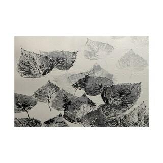 Fall Memories Floral Print Indoor/ Outdoor Rug (5' x 7')