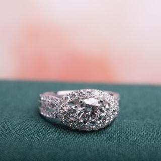Miadora Signature Collection 14k White Gold 1 7/8ct TDW Certified Diamond 3-Stone Infinity Engagement Ring (G-H, SI1-SI2) (IGI)