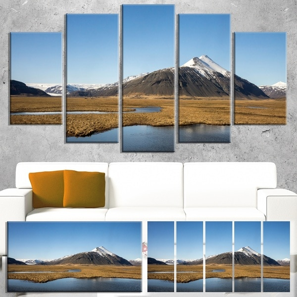 Scenic Southern Iceland - Landscape Photo Canvas Print