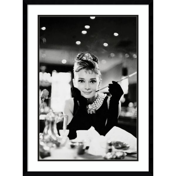 Framed Art Print 'Audrey Hepburn Breakfast at Tiffany's' 23 x 31-inch
