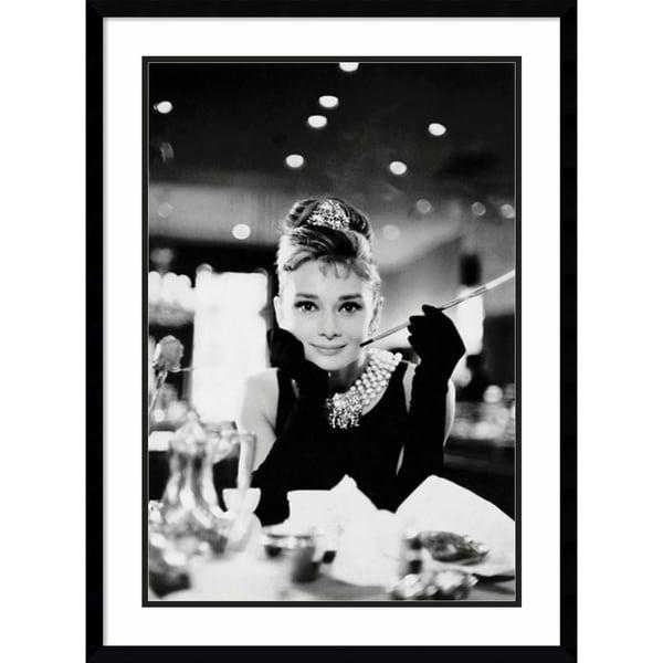 Framed Art Print 'Audrey Hepburn Breakfast at Tiffany's' 23 x 31-inch