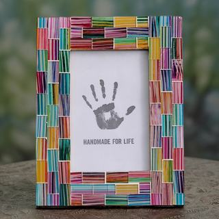 Handcrafted Glass Mosaic 'Indian Rainbow' 4 x 6 Photo Frame (India)