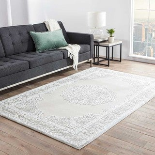 Classic Medallion Pattern Ivory/ Grey Rayon Chenille Area Rug (7'6 x 9'6)