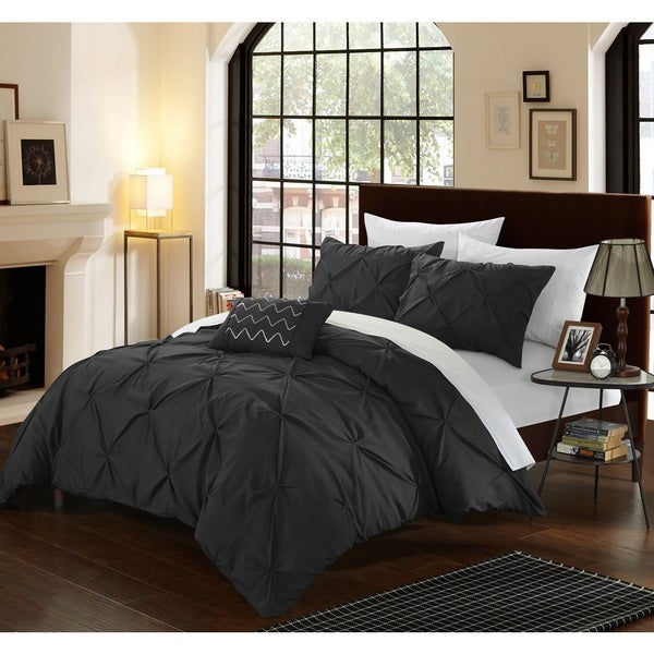 Silver Orchid Niven Black Pinch Pleated 4-piece Duvet Cover Set 19884637