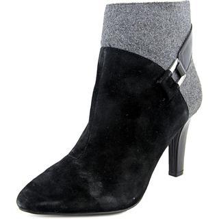 Tahari Women's Black Regular Suede Dagna Boots