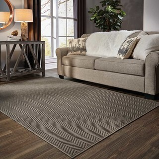 Chevron Textured Loop Pile Grey/ Charcoal Indoor/Outdoor Rug (6' 7 x 9' 6)