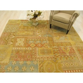 EORC Hand Knotted Wool Multicolor Patch Agra Rug (7'11 x 9'10)