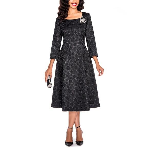 Giovanna Signature Women's Decorative Brooch Crinkle Fabric Dress