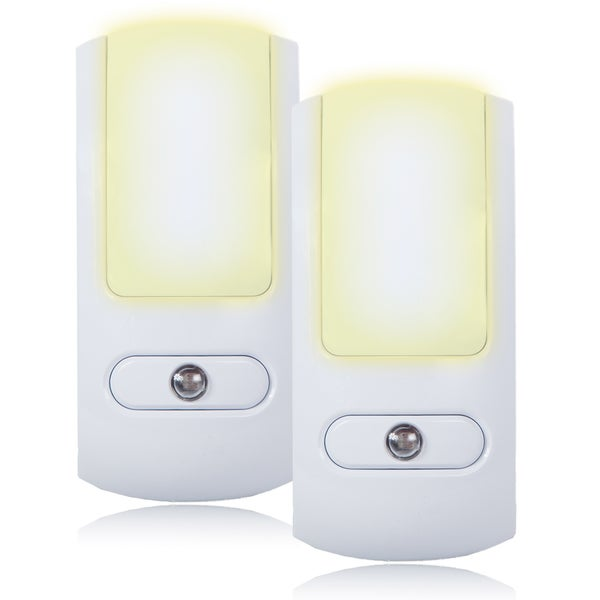 Maxxima White Plastic LED Night Light With Dusk-to-dawn Sensor (Set of 2)