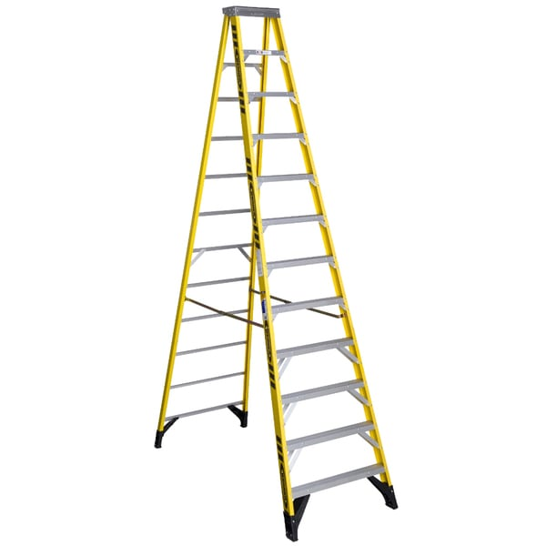 Werner 7312 12' Fiberglass Step Ladder