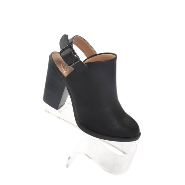 "Hadari Women's Pointy Black Ankle Strap Boots with 3.5"" Platform Heel"