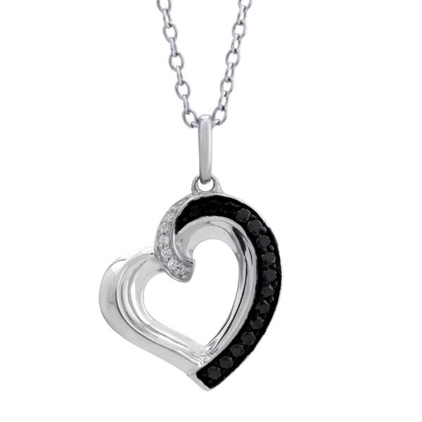 10k White Gold 0.16CTtw Diamond Heart Pendant