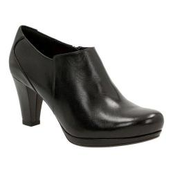 Women's Clarks Chorus True Bootie Black Leather