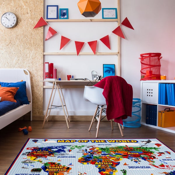 Map of the World Multicolor Nylon Machine-woven Area Rug (5'3 x 7')