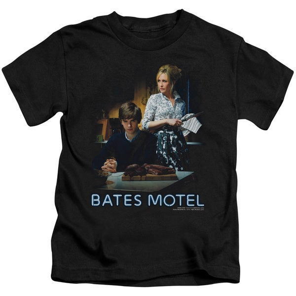 Bates Motel/Die Alone Short Sleeve Juvenile Graphic T-Shirt in Black