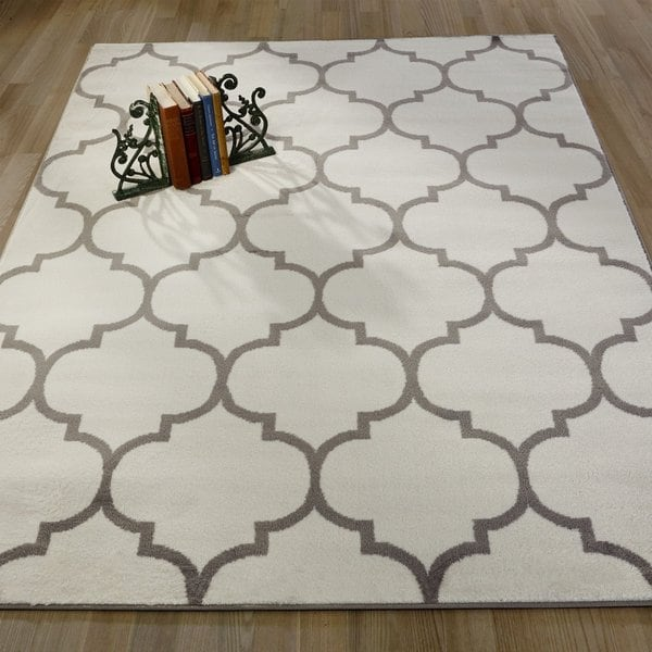 Sweet Home King Collection Off-white Polypropylene Area Rug (5'3 x 7'0)