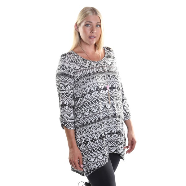Hadari Women's Plus Size 3/4 Sleeve Black and White Chevron Print Tunic Top
