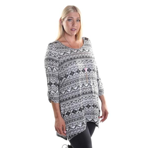 Hadari Women's Plus Size 3/4 Sleeve Black and White Chevron Print Tunic Top
